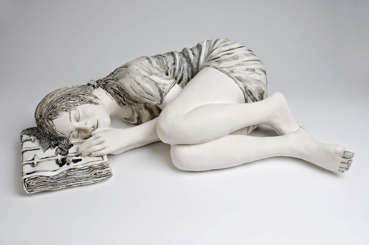 20-Sleeping-Girl-Katharine-Morling-Porcelain-Sculptures-www-designstack-co
