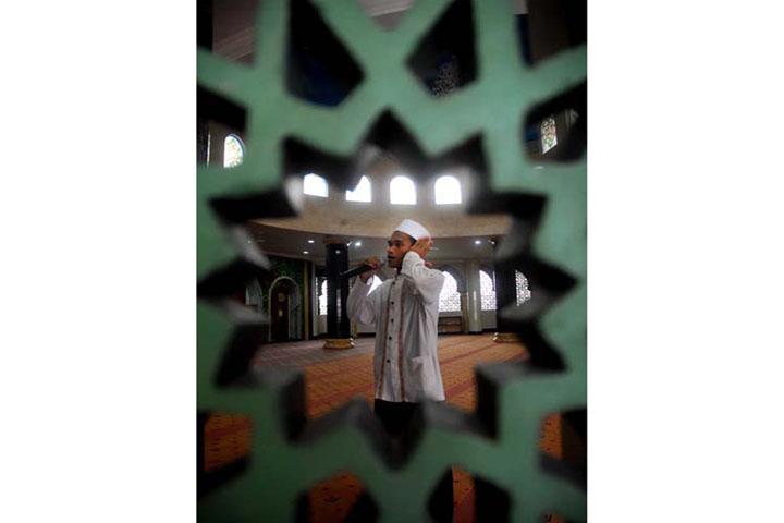 Perbedaan Kumandang Azan di Indonesia dan Australia