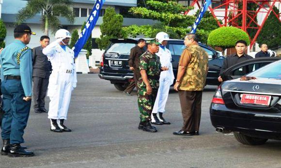 Presiden SBY disambut di dermaga Koarmatim
