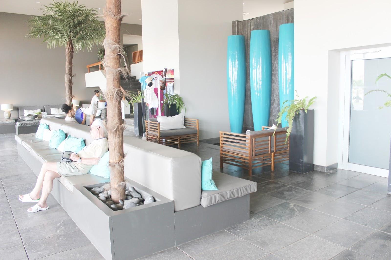 oasis salinas sea hotel lobby