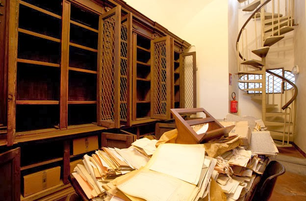 16th century Girolamini library in Naples looted
