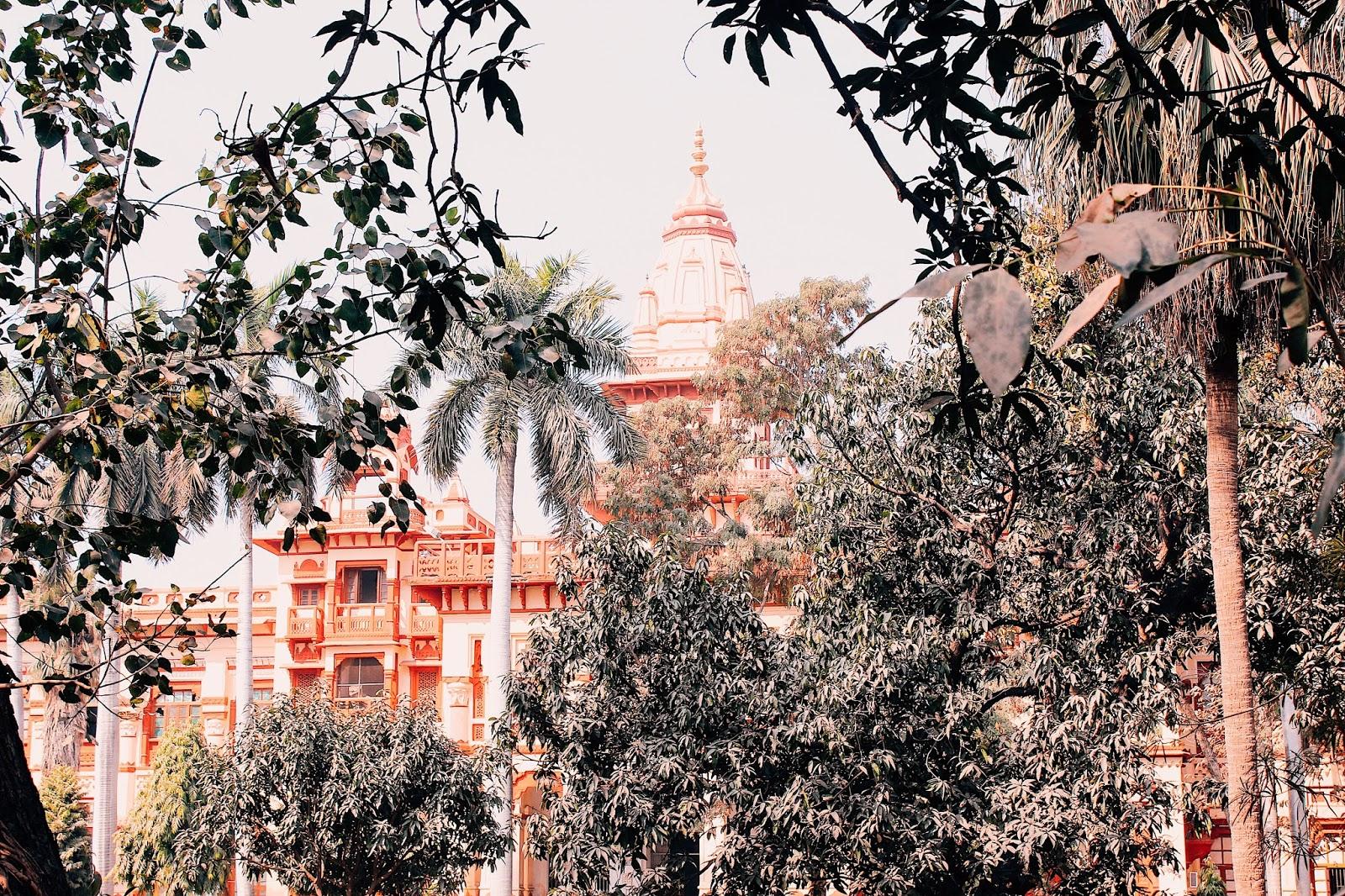 benares hindu university, bhu, varanasi travel guide, vranasai information, tips on varanasi, travel varanasi, spiritual capital of india, city of temples, indian travel blogger, uk blog, benares travel