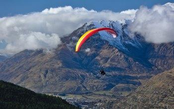 Wallpaper: Tandem Paraglider