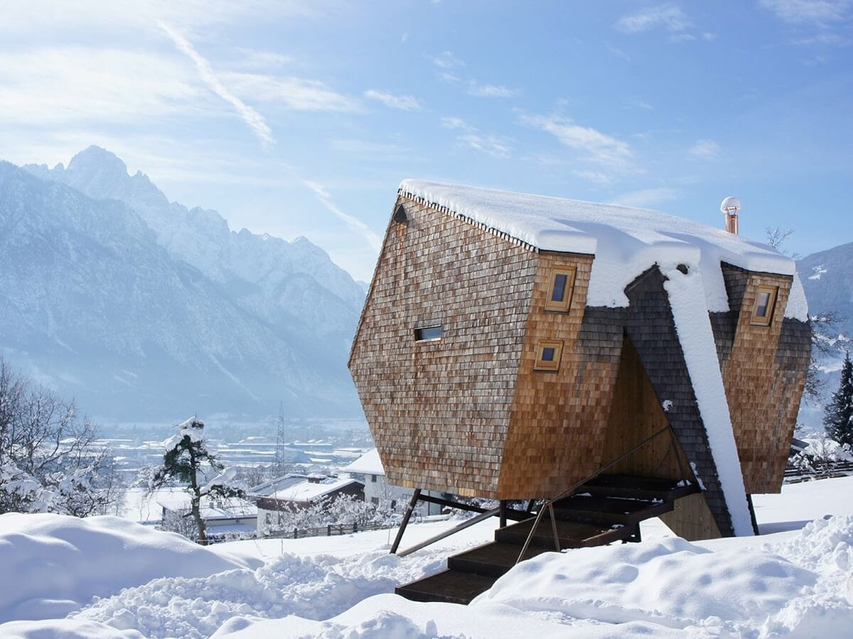 14-Winter-is-Coming-Architecture-with-the-Ufogel-Tiny-House-www-designstack-co