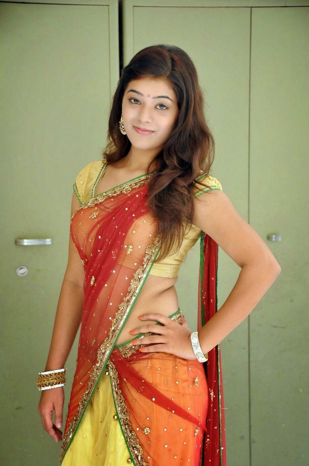 hot Yamini in saree