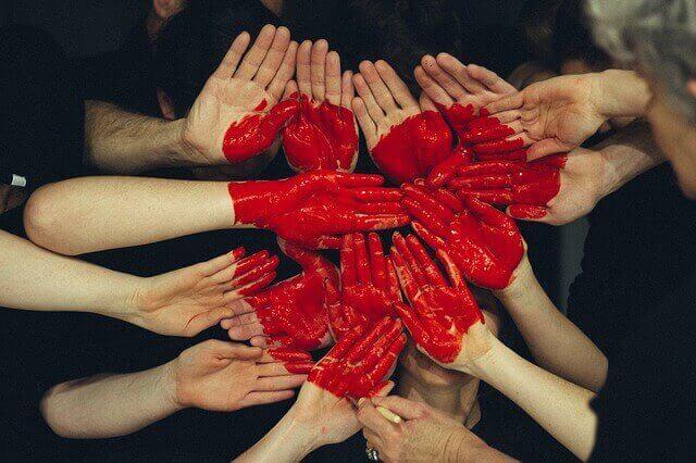 علامات الحب عند الفتاة الخجولة  علامات الوقوع في الحب عند الفتاة  علامات حب الفتاة لك  علامات حب البنت للبنت  حب المراهقه هل يستمر  علامات انتهاء الحب عند الفتاة  علامات الوقوع في الحب عند الشباب  علامات التقل فى الحب