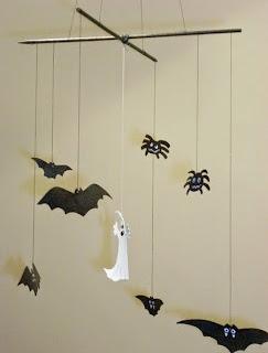 http://lacalledelaabuela.blogspot.com.es/2012/11/atrezzo-y-movil-infantil-para-halloween_1.html
