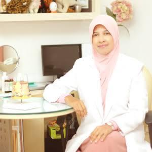 Dokter Inong, Berhijab Setelah Melihat Jenazah Perempuan