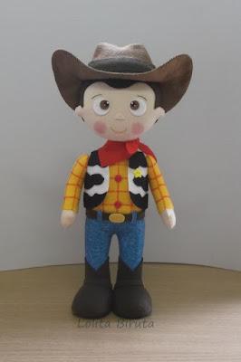 Boneco Toy Story Woody em feltro para decoração de festa