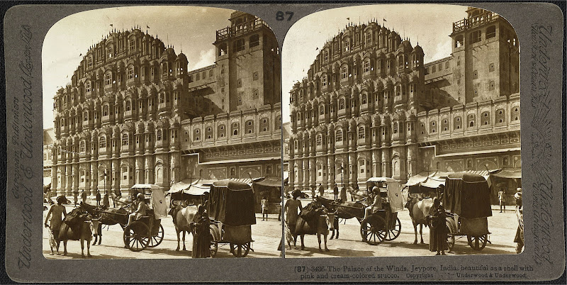 Stereoscopic Photograph of Hawa Mahal (Palace of Winds) in Jaipur, Rajasthan 1903