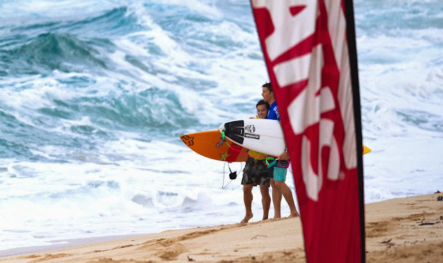 56 Vans World Cup of Sufing 2014 Keanu Asing Ian Walsh Foto ASP