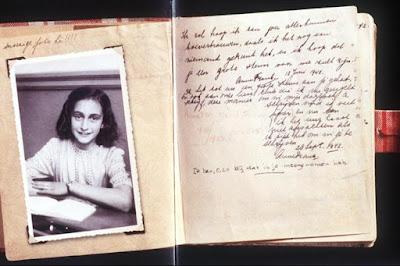 Terá sido uma mulher a denunciar a família de Anne Frank aos nazistas