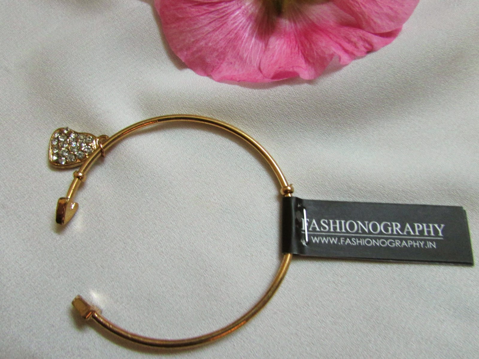 Fab Bag Dicount coupon,  Fab Bag, Fab Bag india, Fab Bag subscription, face, March Fab Bag Review, Palladio Lipstick,Soultree Colour Kohl, INVEDA BB Cream,Sabastian Volupt Spray,Fashionography Bracelet, MAKEUPFIRDIFFERENCE, beauty , fashion,beauty and fashion,beauty blog, fashion blog , indian beauty blog,indian fashion blog, beauty and fashion blog, indian beauty and fashion blog, indian bloggers, indian beauty bloggers, indian fashion bloggers,indian bloggers online, top 10 indian bloggers, top indian bloggers,top 10 fashion bloggers, indian bloggers on blogspot,home remedies, how to