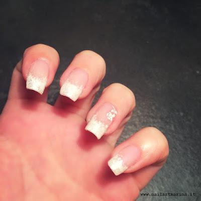 Frenche bianco sfumato grazie alla spugnetta da manicure. www.nailartmarina.it