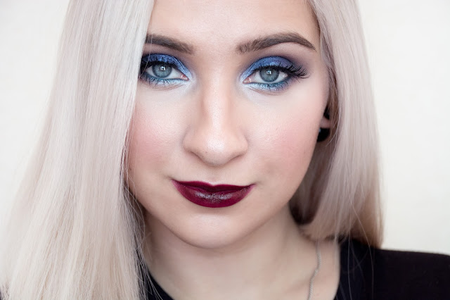 blue smokey eyes makeup