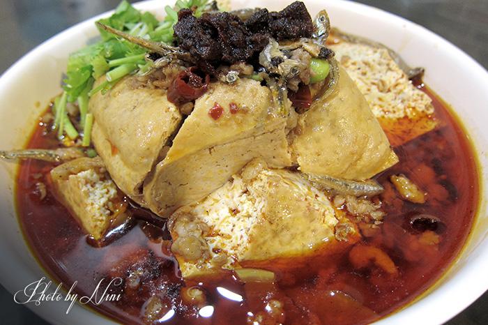 【新北市深坑區】古早厝豆腐。誰說人潮多就是好吃?
