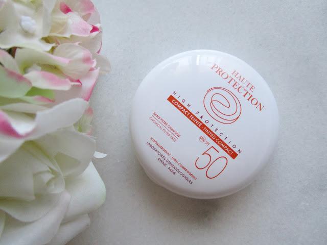 Maquillaje compacto Haute Protection Avène, con spf 50 y oil-free.