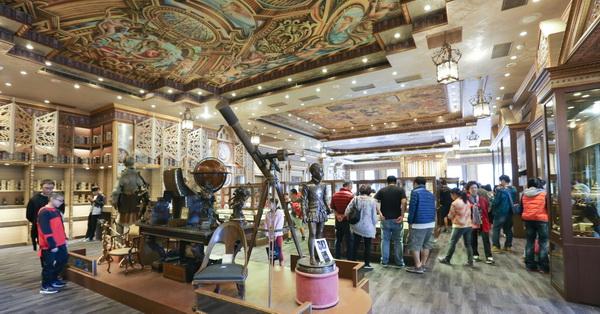 台中東區|新天地西洋博物館|用餐還能欣賞上千件歐洲古文物