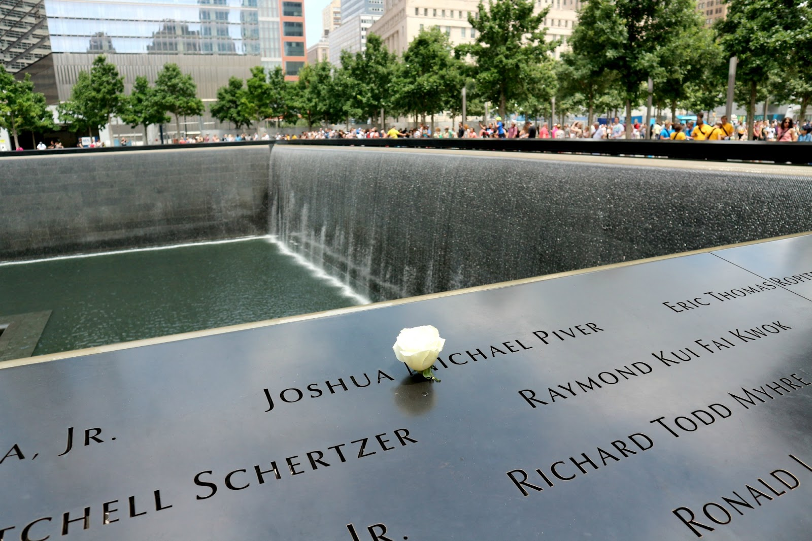 9 11 memorial fountain location