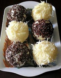 Bola-Bola Singkong Coklat Keju