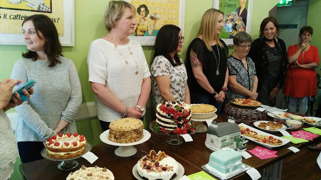 the contestants and their cakes