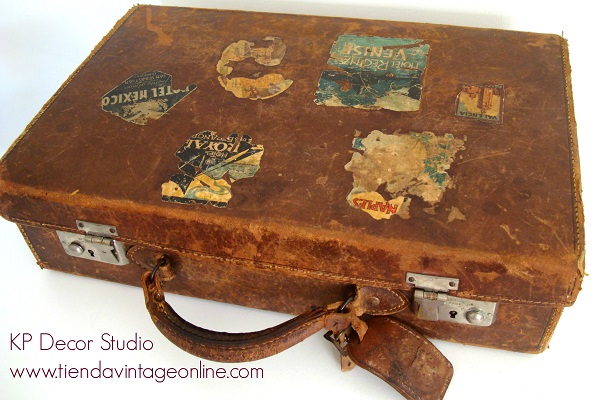 Maletas vintage para colección, maletas con pegatinas de viaje, hoteles y países