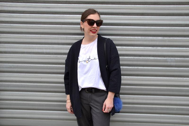 t-shirt Zara blanc, pantalon tailleur Forever21, tennis Public desire, kimono pimkie, pompon furla, sac pimkie