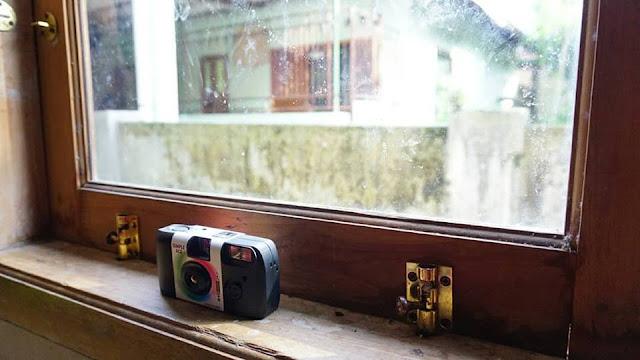 Kembali ke Masa Lalu dengan Kamera Fujifilm Simple Ace 400