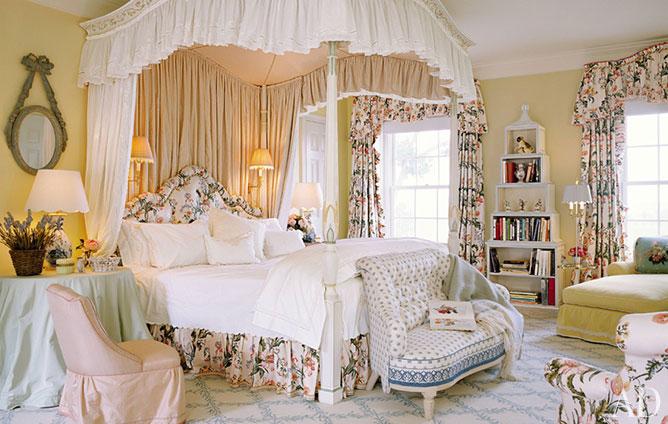 Hayku A.: Get Inspired: Romantic Bedrooms By Mario Buatta