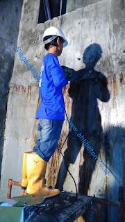 perbaikan bocor pada penampungan air