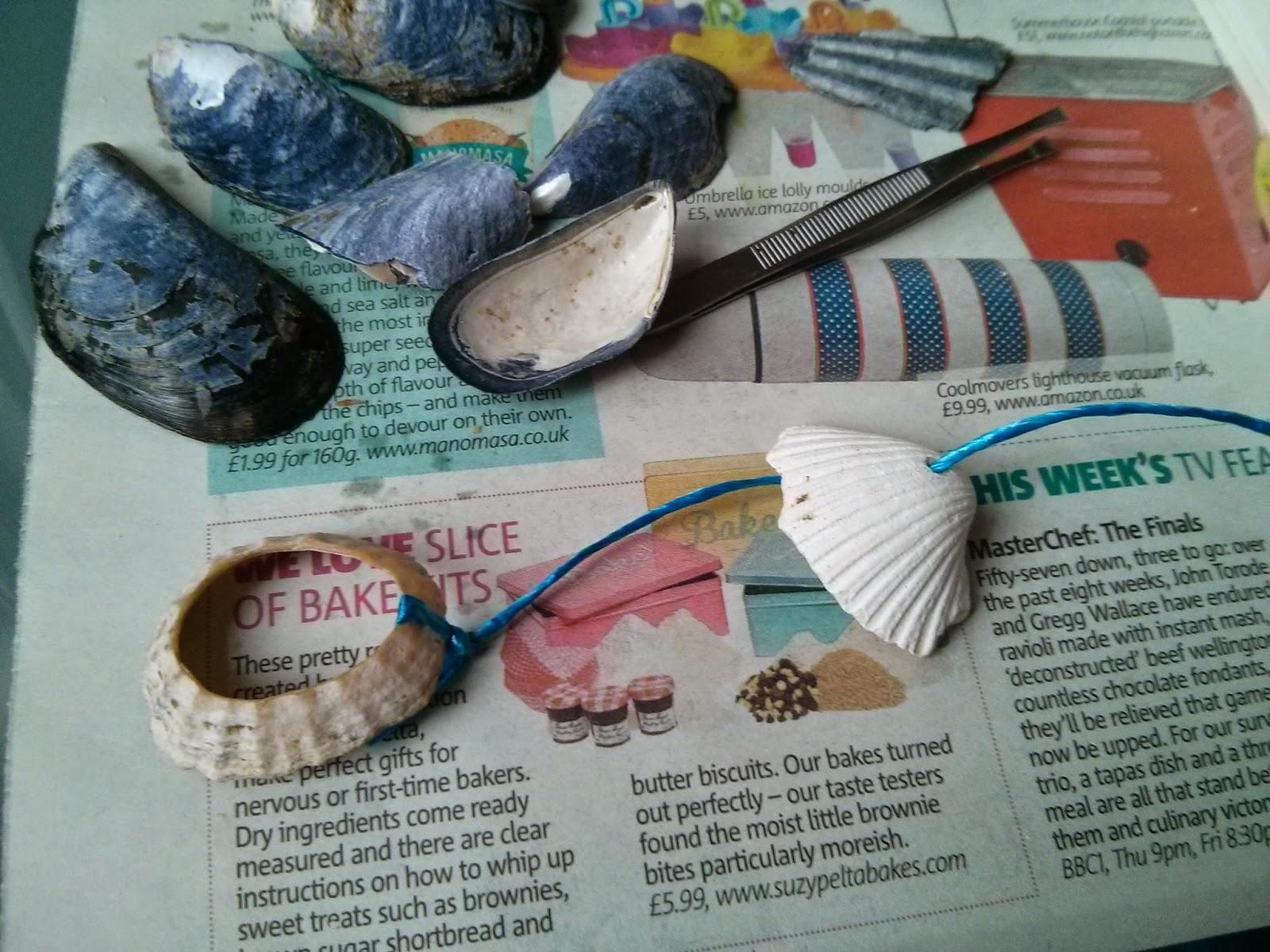 Felfűzött kagylók a kagylófüggönyhöz