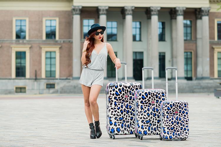 freshminhtea giveaway win a suitsuit luggage set value 437. Black Bedroom Furniture Sets. Home Design Ideas