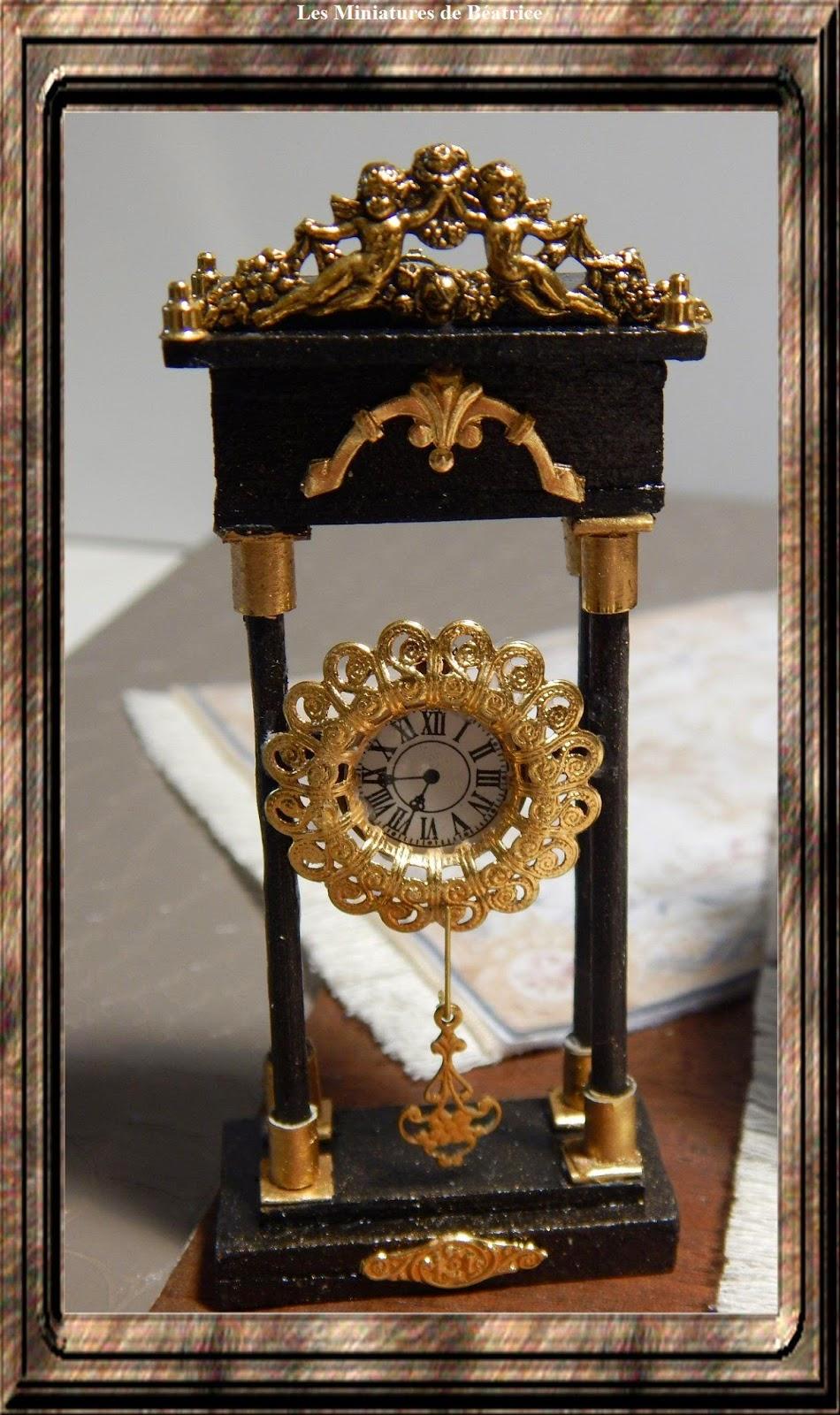 Pendule Et Objets Decoratifs  Abcd