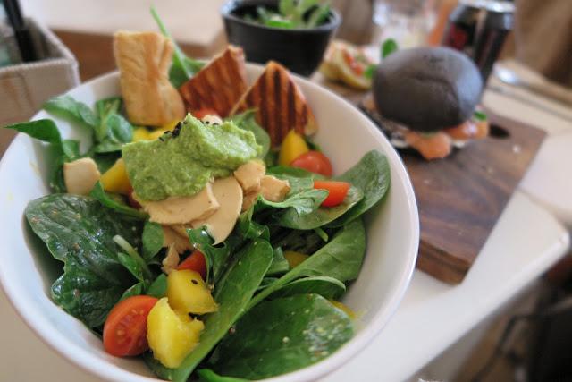 8 Makanan Yang  Baik Untuk Kesihatan Mata