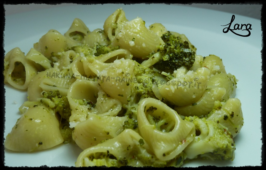 http://cucinaconlara.blogspot.it/2015/03/pasta-con-i-broccoli.html
