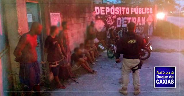 Nove homens são presos furtando peças de carros de depósito em Duque de Caxias