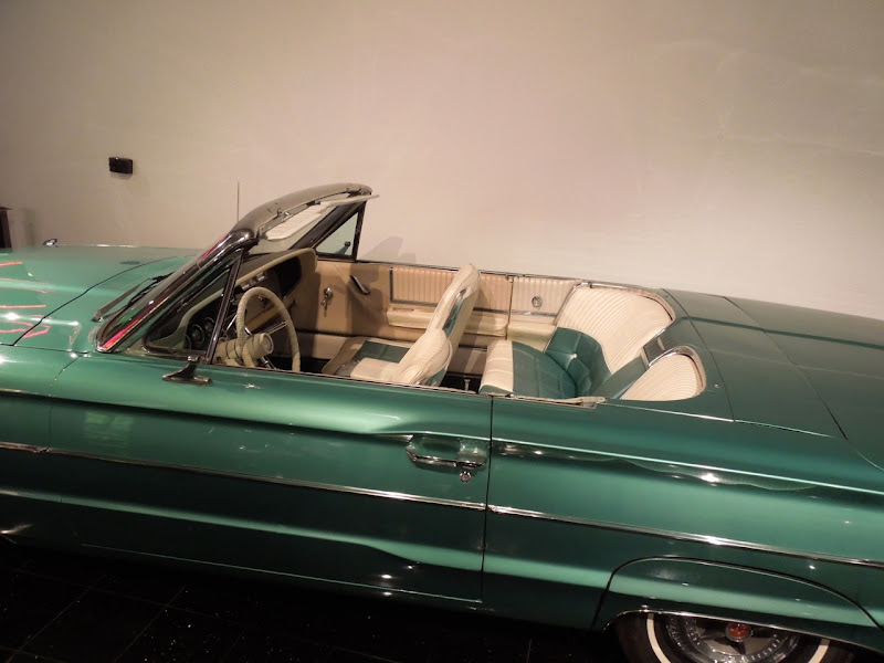 Thelma and Louise 1966 Ford Thunderbird Convertible