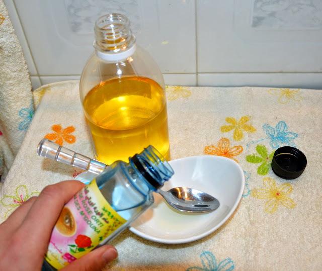 Jedna kropla olejku różanego