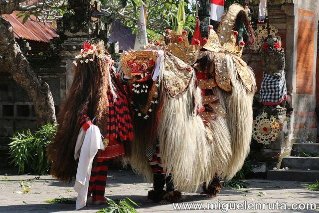 Barong-Rangda-Bali