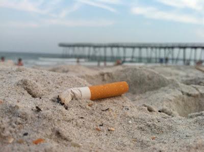 Colillas cigarro enemigo medioambiente