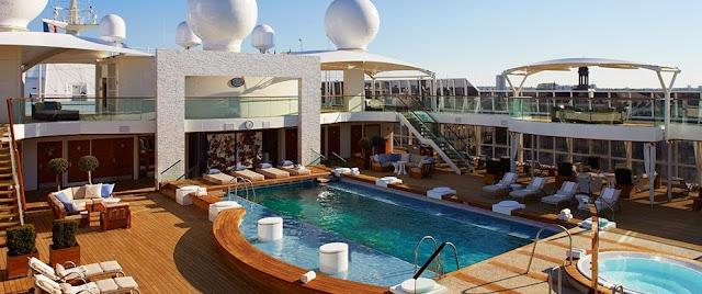 Piscina y Cubierta de The World, el crucero de los millonarios