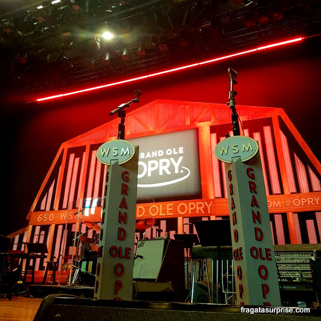Palco do Grand Ole Opry no Ryman Auditorium, Nashville