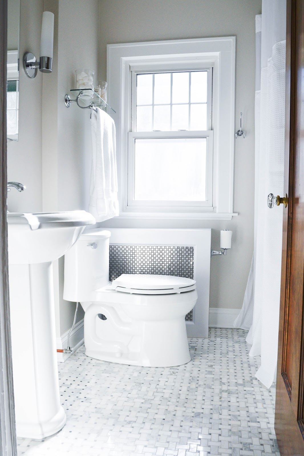 Perfect Kohler Verdera Mirror Cabinet Kohler Adhair One Piece Toilet Carrara Marble Basketweave Floor Tiles Gray Subway Tiles Kohler Devonshire Sink