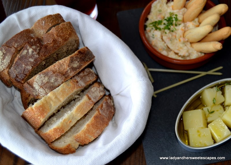 bread and tapas at El Sur Dubai