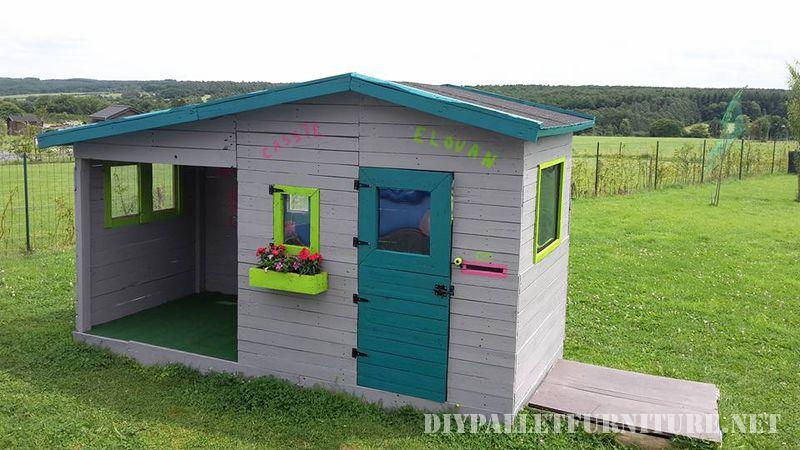 Espectacular casita para ni os hecha - Casas para perros con palets ...