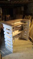 construccion de barra con pallets de madera