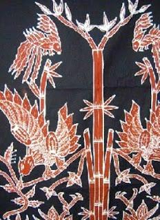 Motif memiliki asal yakni dari Kabupaten Magetan dan lukisan atau gambar dasarnya adalah bambu. Layaknya kegunaan motif-motif batik pada umumnya, batik motif Sidomukti Magetan pada umumnya dipakai ketika upacara adat begitupula pada acara resmi lainnya. Makna dan nilai filosofi  yang terkandung dari motif batik ini adalah harapan mendapat ketenangan lahir maupun batin. Ketiga ada motif Kraton.