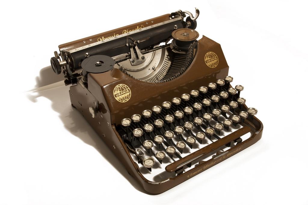 italian typewriter font free download