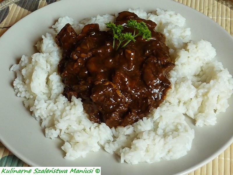 Gulasz z wołowiny z ryżem
