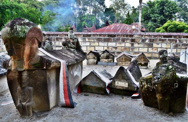 Makam Raja Sida Butar